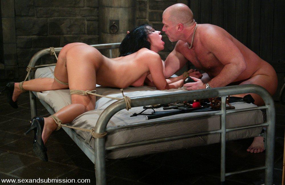 bedroom bondage kissing