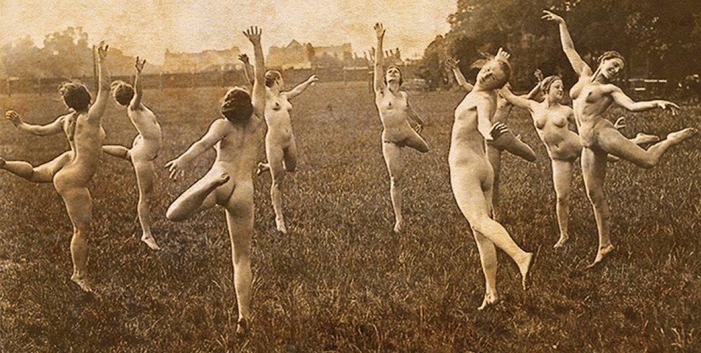 nude dancing naturists