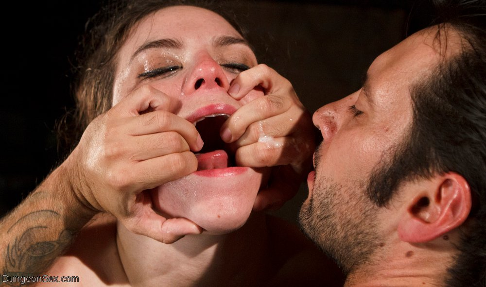 open her mouth wide