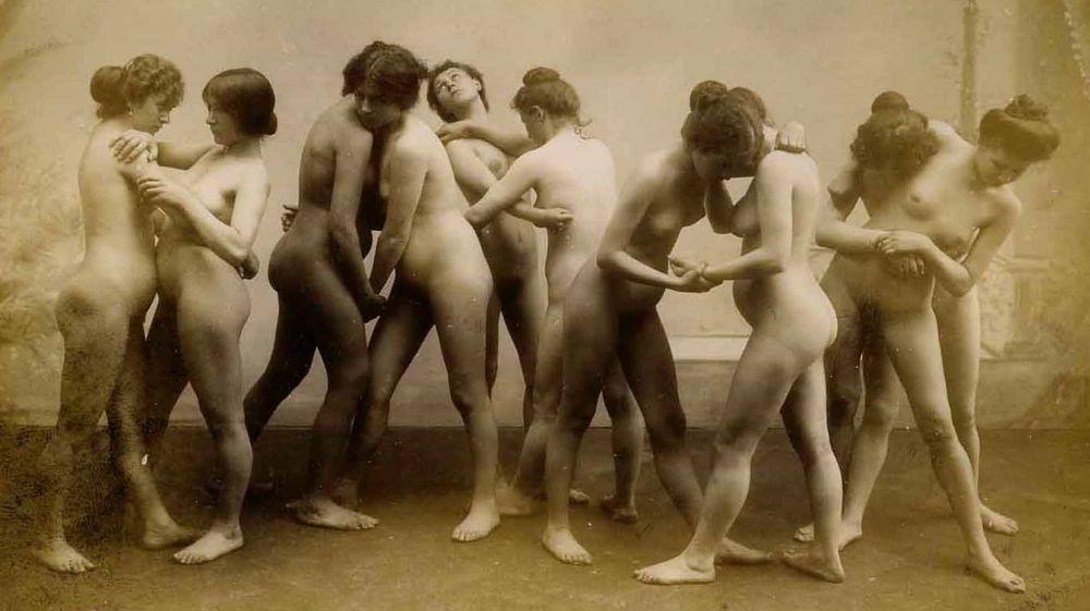 Vintage Nude Women Tubes