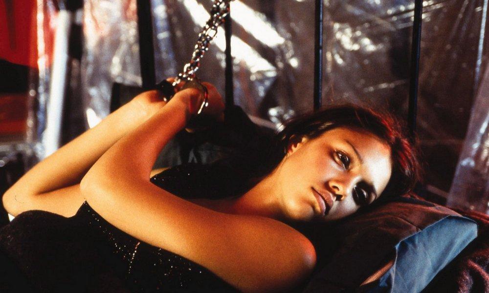 jessica alba chained