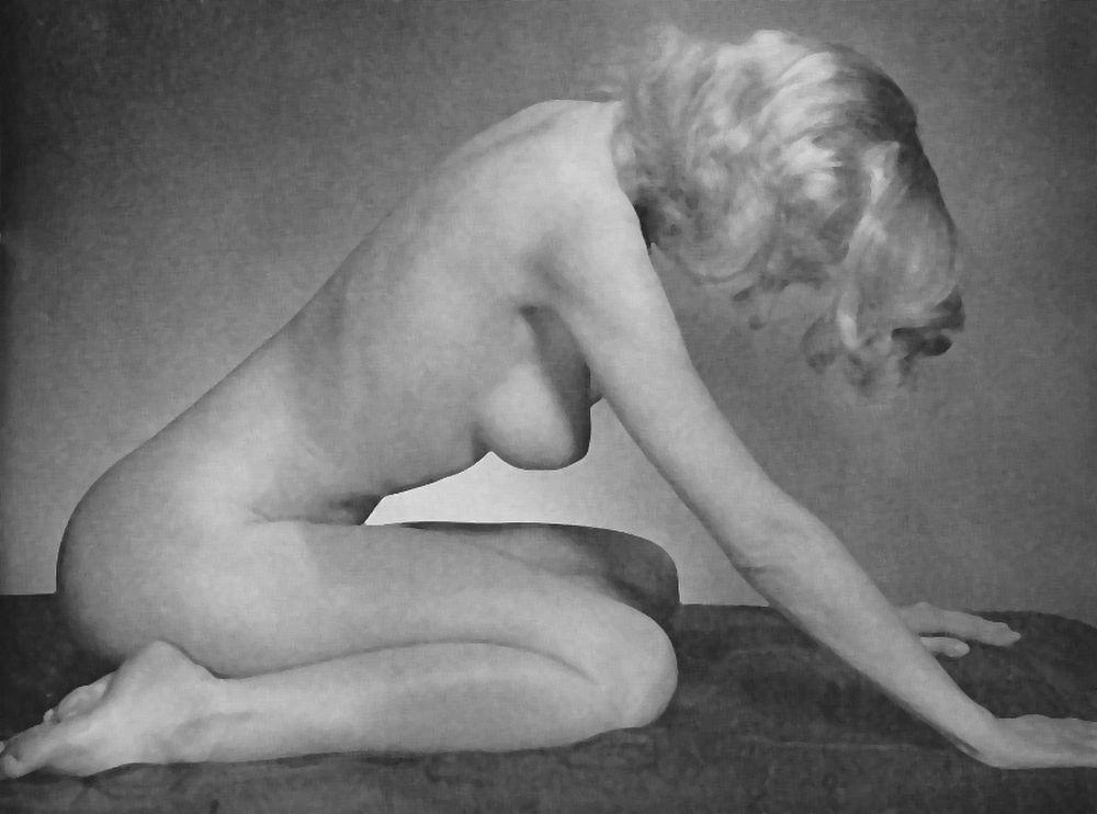 naked girl kneels for her master